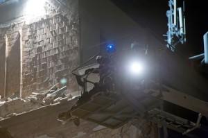 Robbanás Óbudán - Két holttestet találtak a mentõalakulato